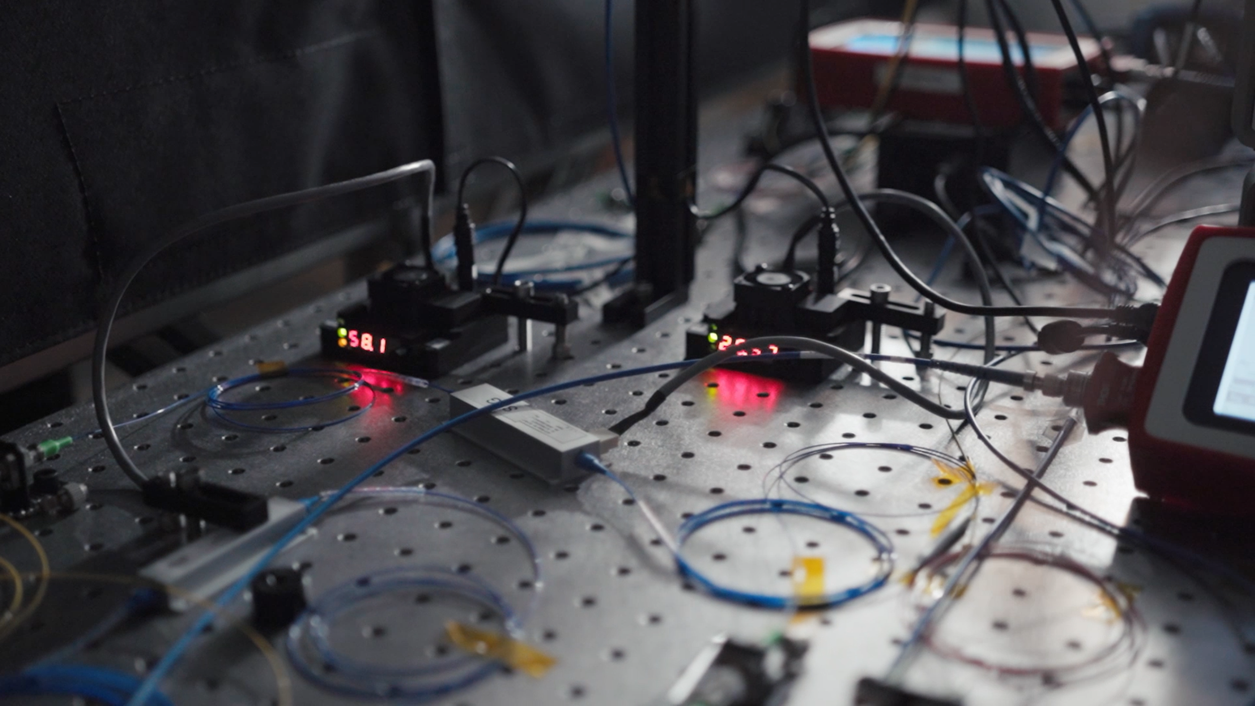 Instrument of high-fidelity quantum teleportation